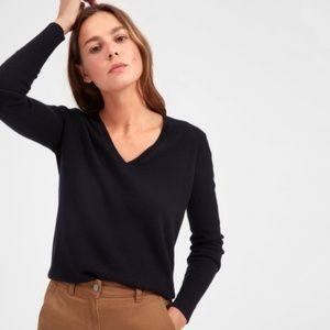 Everlane Black V-Neck Cropped Cashmere Sweater